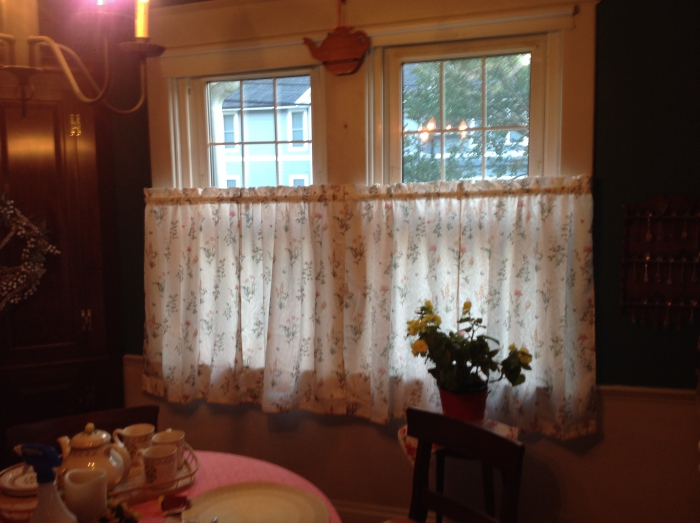 English Garden Curtains Swags Valances Amp Tiers Cafe